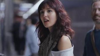 Viva Vantage Towels TV Spot, 'Subway' - Thumbnail 2