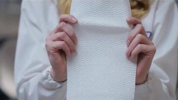 Viva Vantage Towels TV Spot, 'Subway' - Thumbnail 3