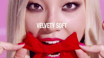 L'Oreal Paris Infallible Pro Matte Gloss TV Spot, 'Velvety Lips' - Thumbnail 3
