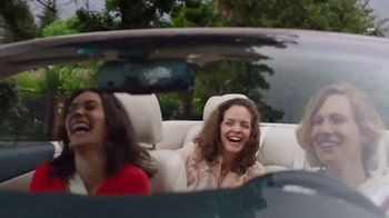 Crocs, Inc. TV Spot, 'Mom's Day Off' - Thumbnail 3