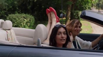 Crocs, Inc. TV Spot, 'Mom's Day Off' - Thumbnail 4