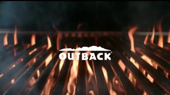 Outback Steakhouse Natural Cut Bone-In Ribeye TV Spot, 'Parrilla' [Spanish] - Thumbnail 1
