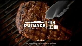 Outback Steakhouse Natural Cut Bone-In Ribeye TV Spot, 'Parrilla' [Spanish] - Thumbnail 9