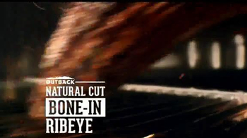Outback Steakhouse Natural Cut Bone-In Ribeye TV Spot, 'Parrilla' [Spanish] - Thumbnail 5