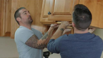 Lowe's TV Spot, 'HGTV: Love the Look Weekend Project' - Thumbnail 3