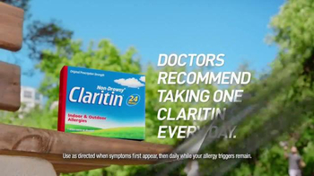 Claritin TV Spot, 'Distractions: Sunday Paper Special' - Thumbnail 4
