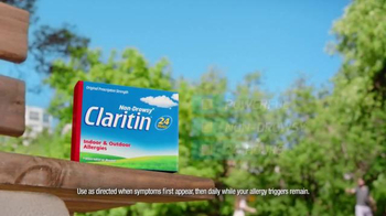 Claritin TV Spot, 'Distractions: Sunday Paper Special' - Thumbnail 5