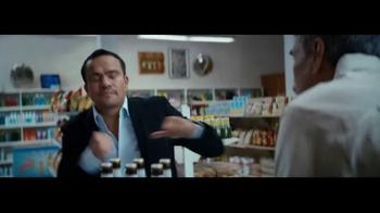 Miller Lite TV Spot, 'El boxeo' con Juan Manuel Márquez [Spanish] - Thumbnail 7