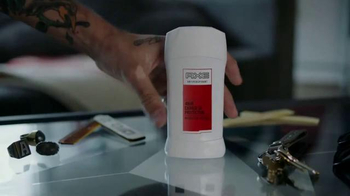 Axe 48-Hour Charge Up Protection TV Spot, 'Dos chaquetas' [Spanish] - Thumbnail 2