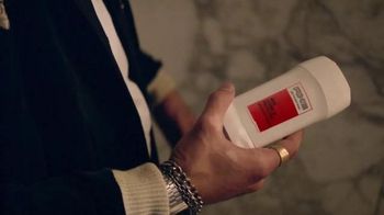 Axe 48-Hour Charge Up Protection TV Spot, 'Dos chaquetas' [Spanish] - Thumbnail 8