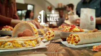 Taco Bell Grilled Breakfast Burrito TV Spot, 'This or That: Burrito' - Thumbnail 8