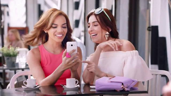 Colgate Optic White TV Spot, 'Las fotos' con Leslie Grace [Spanish] - Thumbnail 4
