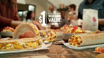 Taco Bell Grilled Breakfast Burrito TV Spot, '¿Esta o aquella?' [Spanish] - Thumbnail 8