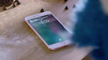 Apple iPhone 6s TV Spot, 'Timer: Cookie Monster' Song by Jim Croce - Thumbnail 5
