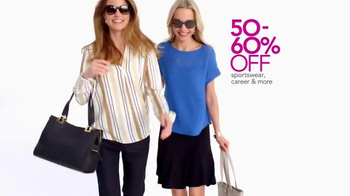 Macy's Lowest Prices of the Season TV Spot, 'Jewelry, Shoes and Apparel' - Thumbnail 4