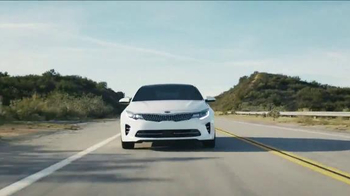 2016 Kia Optima TV Spot, 'Rocket' - Thumbnail 8