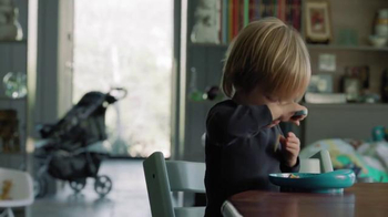 Kraft Macaroni & Cheese TV Spot, 'It's Changed, But It Hasn't' - Thumbnail 4