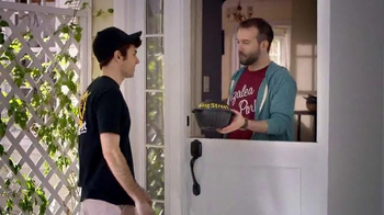 Pizza Hut Wing Street TV Spot, 'No Pants Required' - Thumbnail 3