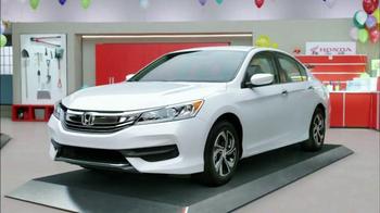 Honda Dream Garage Sales Event TV Spot, 'Clowns' - Thumbnail 4