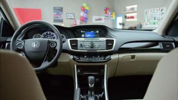 Honda Dream Garage Sales Event TV Spot, 'Clowns' - Thumbnail 5