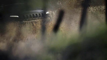 2016 Jeep Cherokee Trailhawk TV Spot, 'No Boundaries' - Thumbnail 7
