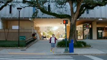 Apple iPhone 6s TV Spot, 'Menos tiempo' con Aubrey Plaza [Spanish] - Thumbnail 6