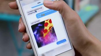 Apple iPhone 6s TV Spot, 'Menos tiempo' con Aubrey Plaza [Spanish] - Thumbnail 9