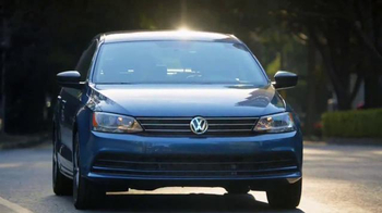 Volkswagen Evento Safety in Numbers TV Spot, 'No paren' [Spanish] - Thumbnail 8
