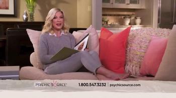 Psychic Source TV Spot, 'Tori Spelling Loves Psychic Source' - Thumbnail 5
