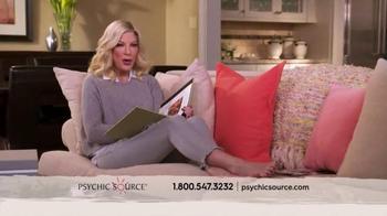 Psychic Source TV Spot, 'Tori Spelling Loves Psychic Source' - Thumbnail 7