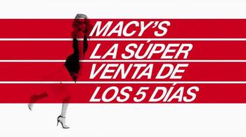 Macy's La Súper Venta de Los 5 Días TV Spot, 'Últimas tendencias' [Spanish] - Thumbnail 2