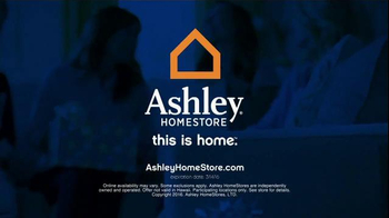 Ashley Furniture Homestore Save & Style Event TV Spot, 'Poster Bed' - Thumbnail 6