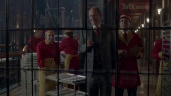 Twix TV Spot, 'Toda la noche' [Spanish] - Thumbnail 9