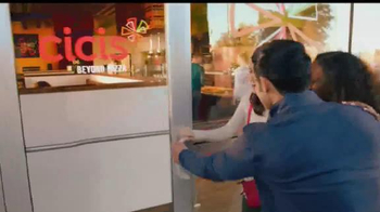 CiCi's Pizzas Flatbread TV Spot, 'Explorar' [Spanish] - Thumbnail 1
