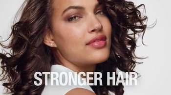 Garnier Fructis Curl Nourish TV Spot, 'Triple Nutrition' Song by Goldfrapp - Thumbnail 10