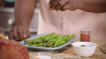 Walmart TV Spot, 'Food That Brings Family Together' Featuring Patti LaBelle - Thumbnail 7
