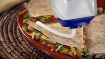 Daisy Squeeze Sour Cream TV Spot, 'Algo nuevo para la cocina' [Spanish] - Thumbnail 5
