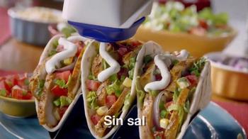 Daisy Squeeze Sour Cream TV Spot, 'Algo nuevo para la cocina' [Spanish] - Thumbnail 7