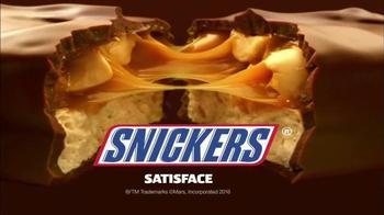 Snickers TV Spot, 'El vestuario' con Lucía Méndez [Spanish] - Thumbnail 10