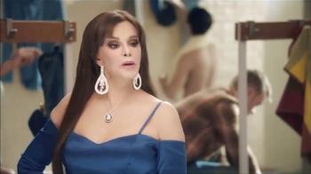 Snickers TV Spot, 'El vestuario' con Lucía Méndez [Spanish] - Thumbnail 4