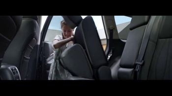Infiniti QX60 TV Spot, 'Pool Party' Song By The Black Keys - Thumbnail 7