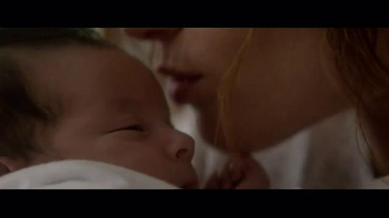 Huggies Little Snugglers TV Spot, 'The Second Hug' - Thumbnail 6