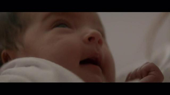 Huggies Little Snugglers TV Spot, 'The Second Hug' - Thumbnail 9