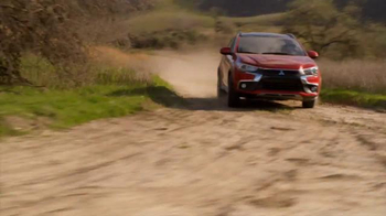 2016 Mitsubishi Outlander Sport TV Spot, 'FX Network: Exclusive Looks' - Thumbnail 2