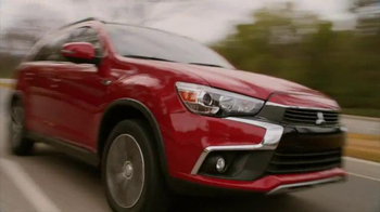 2016 Mitsubishi Outlander Sport TV Spot, 'FX Network: Exclusive Looks' - Thumbnail 5