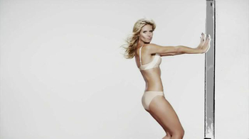 Macy's TV Spot, 'One Animated Photo Shoot' Featuring Heidi Klum - Thumbnail 6