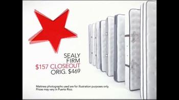 Macy's Super Saturday Mattress Sale TV Spot, 'Final Closeouts' - Thumbnail 4
