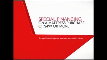 Macy's Super Saturday Mattress Sale TV Spot, 'Final Closeouts' - Thumbnail 8