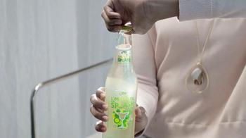 Bud Light Lime-A-Rita Splash TV Spot, 'Salon' Song by Blu Cantrell - Thumbnail 3