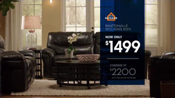 Ashley Furniture Homestore Save & Style Event TV Spot, 'Bed and Sofa' - Thumbnail 4